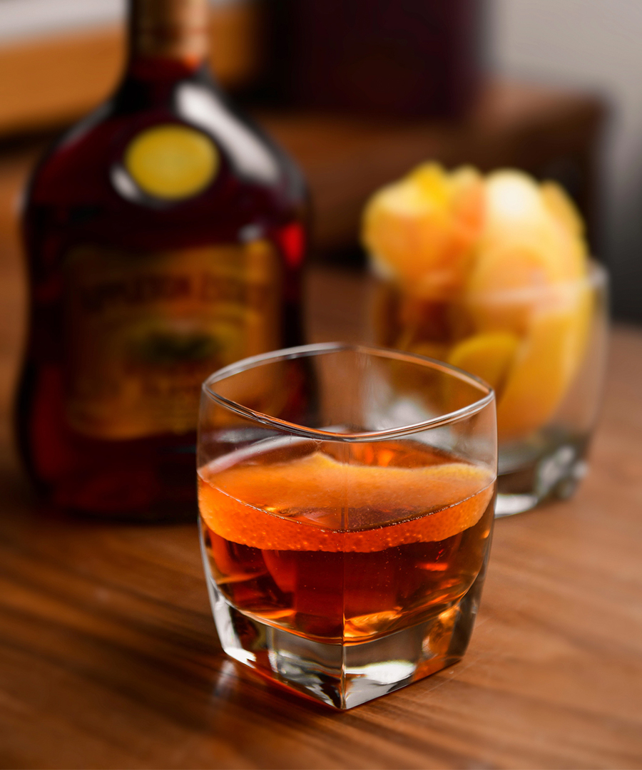 9 Cocktail Recipes for the Holiday Season