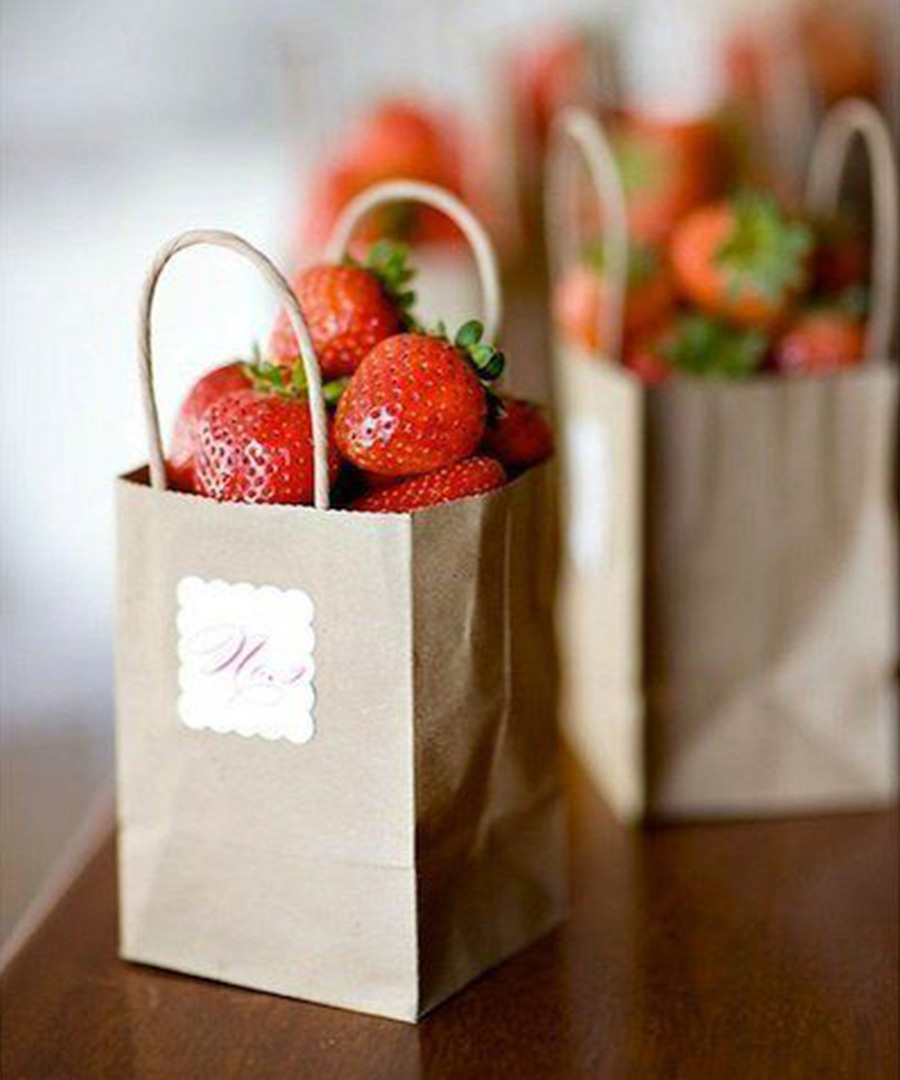 7 Warm Weather Wedding Favors