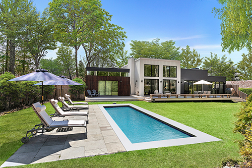 A mid-century modern East Hampton home the couple has on the market
