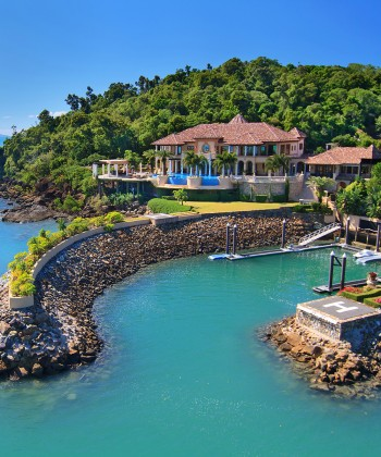A Villa in Australia with Its Own Marina and Helipad