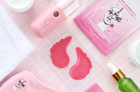 Glow Up Beauty's Collagen Eye Mask, Kimono Fragrance Oil and Portable Facial Mister From Lisa Parigi