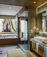 A Complete Breakdown of the Best Hotel Bathrooms