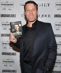 A Night With the Unshakeable Tony Robbins