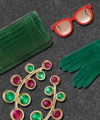 10 Ways to Instantly Perk Up a Holiday Outfit