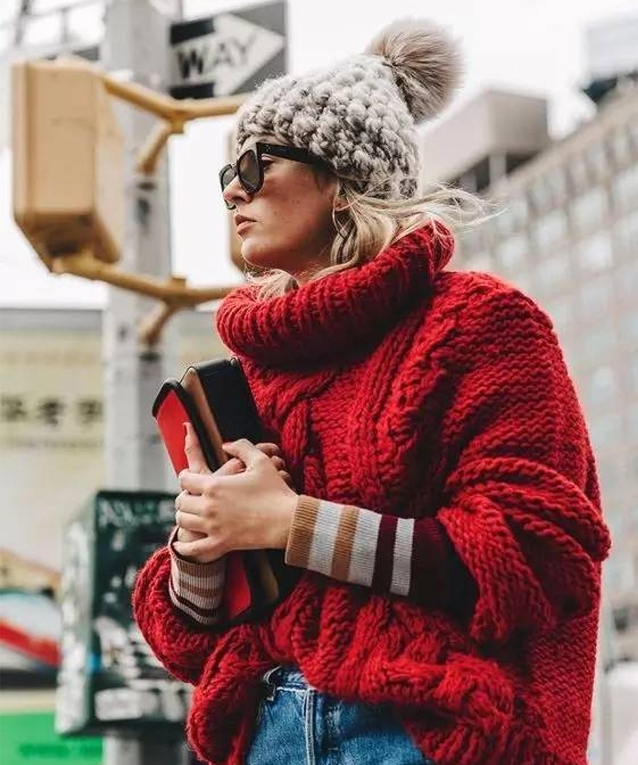 Stay Warm In These Chic Winter Accessories