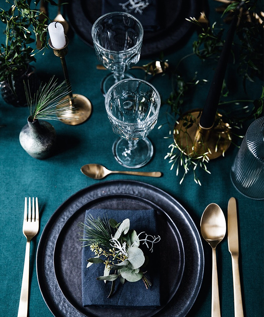 9 Tablescapes For Winter Weddings