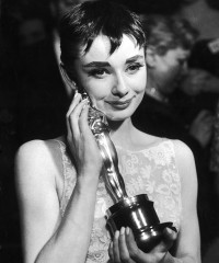 Vintage Photos of Silver Screen Icons at the Oscars