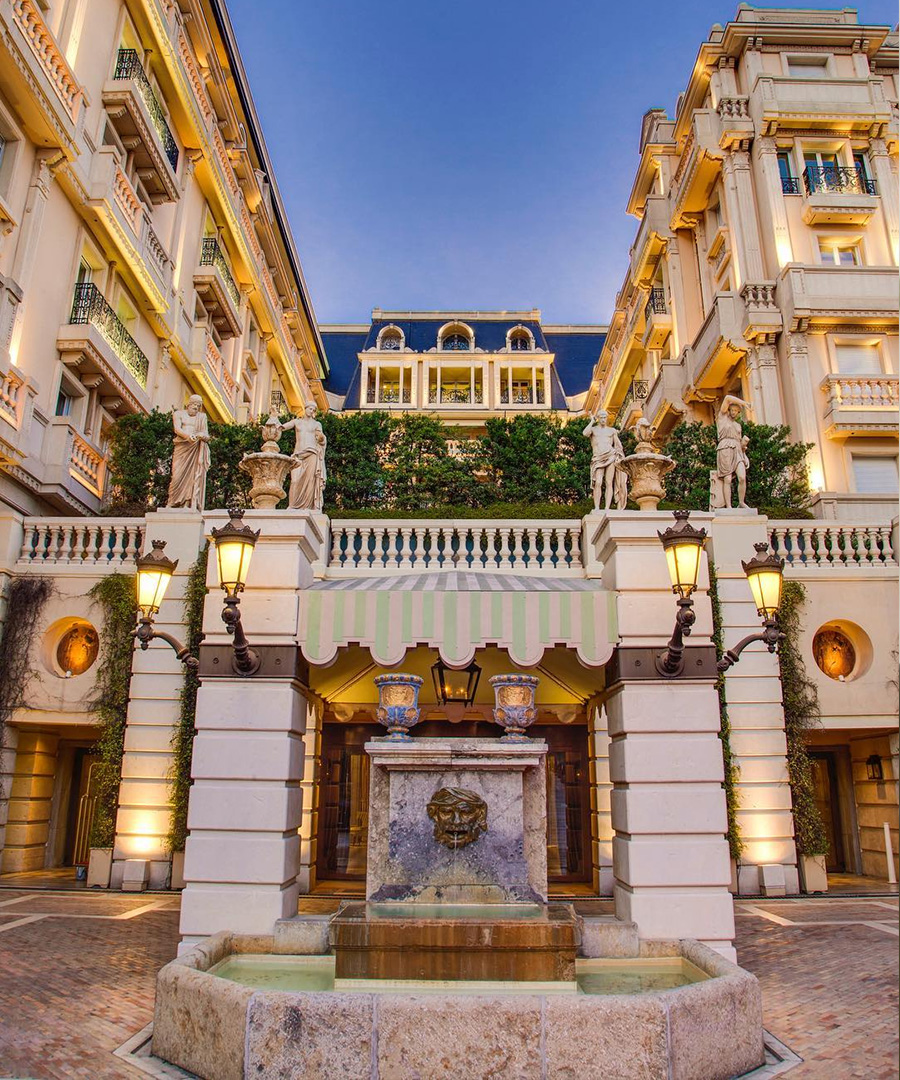 Luxe Hotels For The Shopaholic